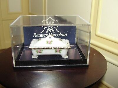 Dollhouse Miniature Porcelain Decorative Box  NRFC