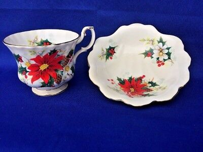Royal Albert Poinsettia Tea Cup & Saucer Bowl Bone China England ▬ YULETIDE ❤️
