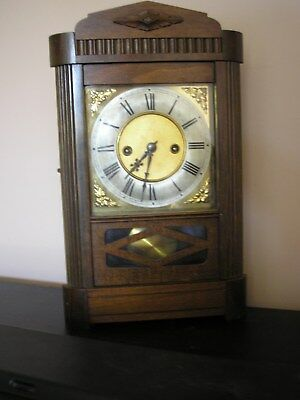 Vintage Striking Bracket / Mantle Clock Needs Adjusted