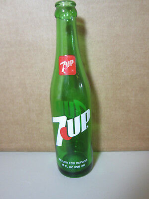 Vintage 7 UP Soda Pop Glass Bottle 10 fl. oz.