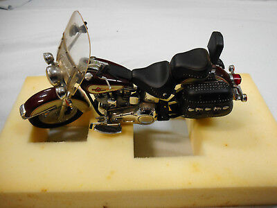 #hh.  Harley Davidson  Motorcycle Model Heritage Softail Classic