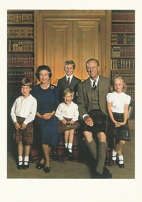 KÖNIGIN ELIZABETH-PRINZ PHILIP-WILLIAM-HARRY-PETER-ZARA-Adel-ORIGINAL POSTCARD