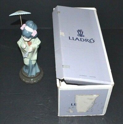 LLadro Japanese Girl With Parasol