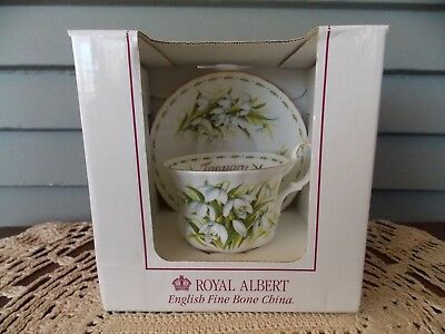 Vintage Royal Albert England Flower of Month Snowdrop Tea Cup & Saucer January