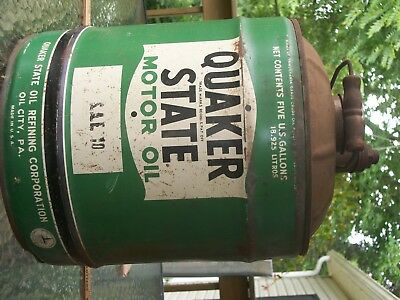 """Vtg. Early """"QUAKER STATE OIL""""  CAN 5 Gallon with wood handle/Complete & Useable"""