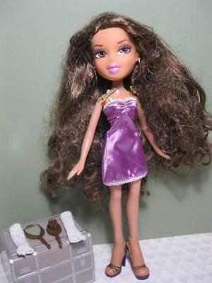 Bratz World Mansion Glam YASMIN Doll-original purple outfit dress shoes earrings