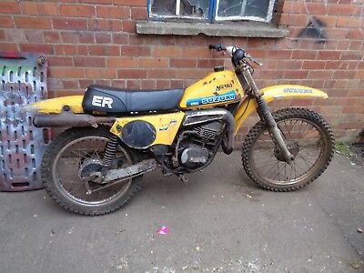 suzuki ts185er ts185 ts 185 er motorbike with new seat and aftermarket silencer
