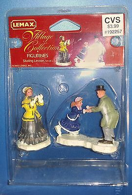Lemax Village Collection Figurines SKATING LESSONS Set of 2 2005 52036