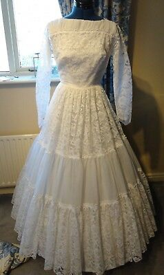 Vintage 1960's White Lace Wedding Gown Size S