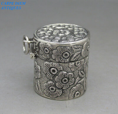 Good Quality Solid Sterling Silver Floral Embossed Pill Box, 2.6Cm High X 2.4Cm