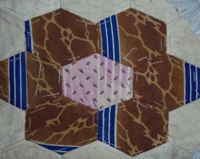 c1840s BEAUTIFUL EARLY 19th CENTURY PRINTED COTTON PATCHWORK QUILT BLOCK, REF 25