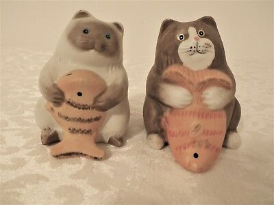 """Cats With Fish Salt & Pepper Shakers 3"""" Tall EUC!!"""