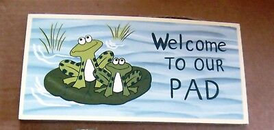 WELCOME 2 OUR PAD Funny Saying Wood Frog plaque Country Kitchen frogs Decor Sign
