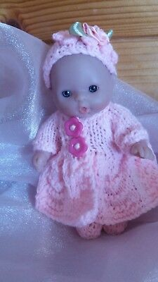 """Hand knitted Berenguer 5"""" Doll,s clothe,s"""