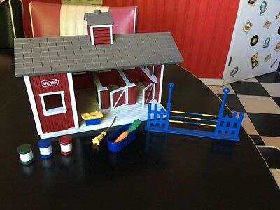 Breyer 97005 Stablemates Horse Stable Set Barn With Accessories
