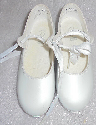 Girls White Block Tap Shoes Size 11 In Great Condition 💃🏾