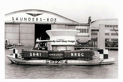 rp16972 - SRN 1 Hovercraft off Saunders Roe , East Cowes , IOW - photo 6x4