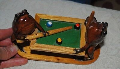 Real Frog Figures Playing Shooting Pool - Excellent Condition