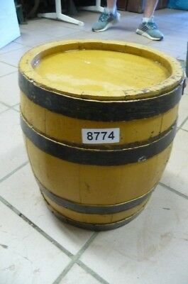 8774. Altes Holzfass Fass Weinfass Old wooden barrel