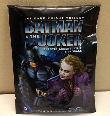 Moebius Sdcc13 , 2013 San Diego Comic Con Exclusive , Dark Knight Batman & Joker