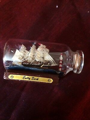 Mini Buddelschiff *Cutty Sark* 6,0 cm x 3,5 cm  Seemanns Handarbeit