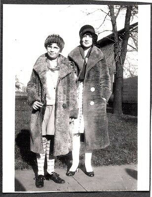 --Vintage Photograph 1920's Baraboo Wisconsin Flapper Girls Fashion Of Era Photo
