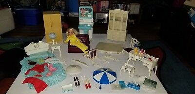 Vintage Marx Sindy Doll, Clothes, Furniture and Accessory Lot & Scenes