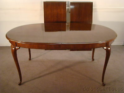 49452:Thomasville Collectors Cherry Queen Anne Dining Table