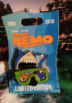 Disney Pixar LE Pin  Finding Nemo 15th Anniv MARLIN, DORY & BRUCE Dive Mask.