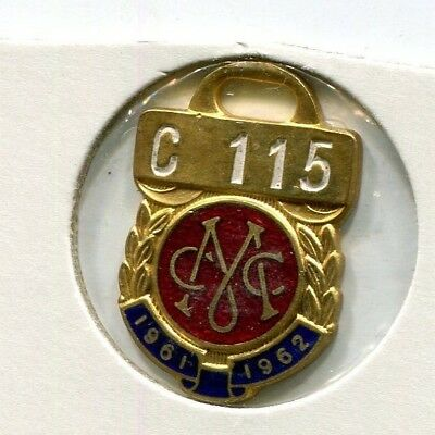 Melbourne Cricket Club Members badge 1961 - 1962  Country