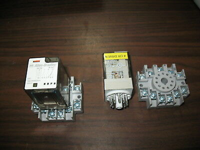 Lot of 2 Allen Bradley 700-HA33Z24-4 24 VDC Relays with 700-HN126 Base