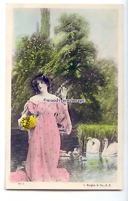 b5989 - Stage Actress -  with Swans Backdrop, No.910J -  postcard