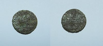 ANCIENT ROME :  FLAVIUS VICTOR 387-388 A.D. Ae4 14mm - CAMP GATE - V. SCARCE
