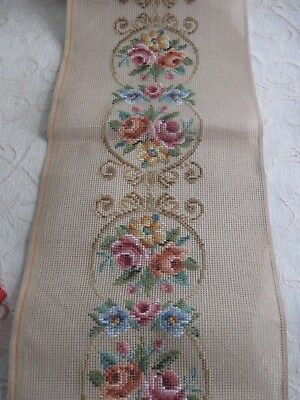 QUEEN ADELAIDE Trammed TAPESTRY & WOOL no: 305 ROSE MEDALLIONS