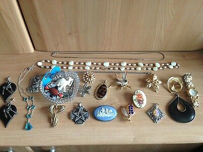 Vintage Jewellery Job Lot Collection Of Mixed Vintage Brooches Watch Pendants