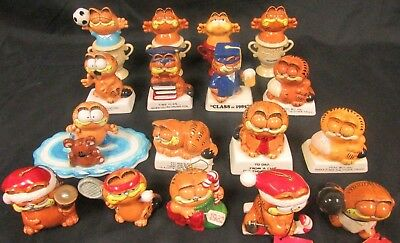 Lot of 18 Enesco 1978 1981 Ceramic Garfield Figurines L745