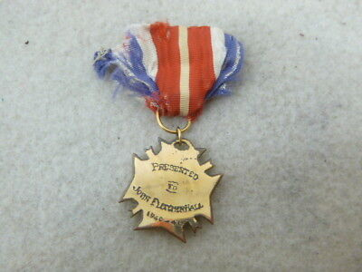 Ww 2 Named Us Vfw Gold Medal With 1940-1941 Date And Name