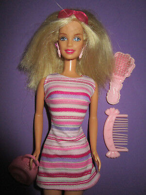 B503-ALTE BLONDE BARBIE Echte Wimpern Mattel 1998 Ohrringe+Kleid+ ... d0d82051cb