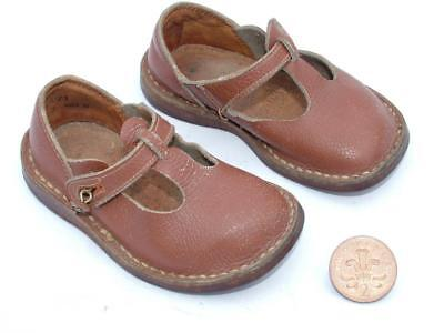 VINTAGE 1940's 50's CHILDS TODDLERS LEATHER SHOES VERY GOOD ORDER 3/5 - LOT 8