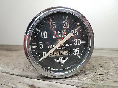 Classic Stewart Warner wings speedometer rpm hundreds 412680 original odometer
