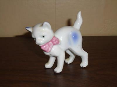 VTG 1950s SMALL HUNCHED BACK CAT FIGURINE W/ PINK BOW BONE CHINA PORCELAIN