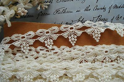 1y VINTAGE VENISE SCHIFFLI BOW BOBBLE APPLIQUE RIBBON LACE TRIM FRENCH BEBE DOLL