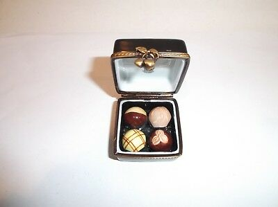 Peint Main Limoges Trinket-Box of Truffles