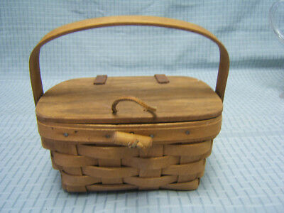 "Longaberger 1989 small Purse Basket with Lid & Swing Handle 4"" deep GUC"