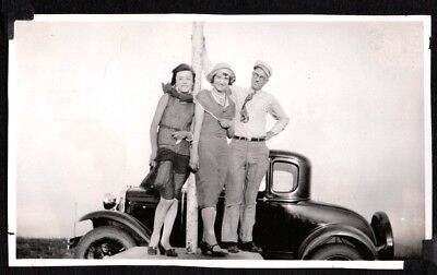 Vintage Photograph 1931 Flapper Girls Fashion Car Spokane Washington Old Photo