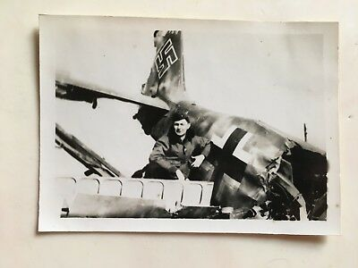Wwii Photo  368Th Fighter Group Pilot Posing With Luftwaffe Aircraft