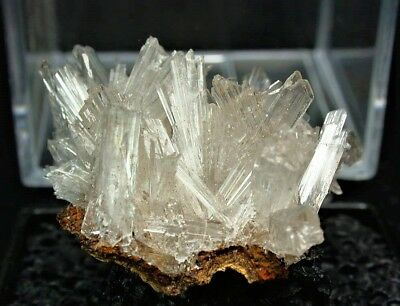 Minerals : Transparent Hemimorphite Crystals From Mexico