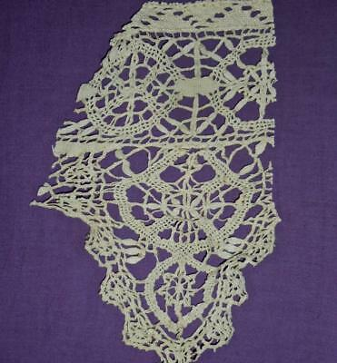SUMMER CLEAROUT, FRAGMENT 18th/19th CENTURY GENOESE LINEN BOBBIN LACE, REF 109.