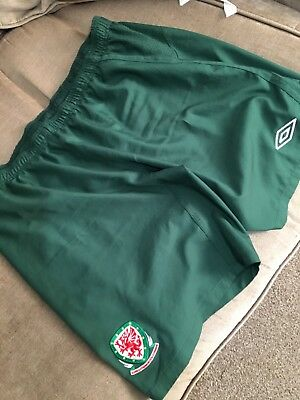 Wales away football shorts Green XXL Used