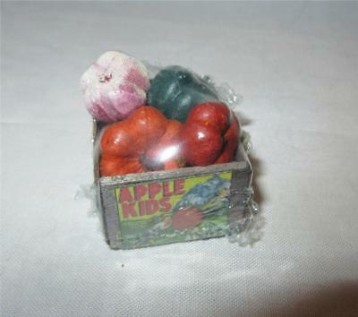 Miniature Dollhouse 1:12 Scale Crate Of Gourds - Sh540